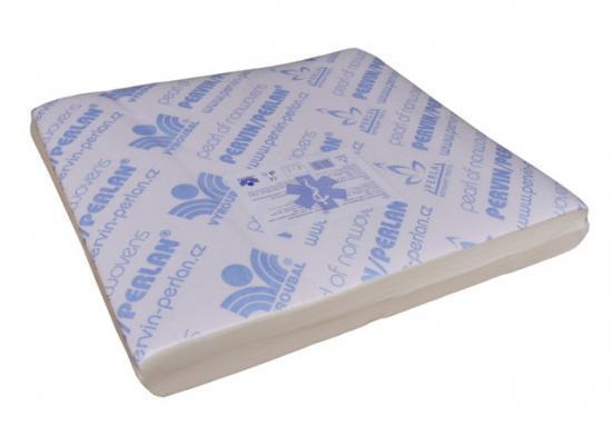 Pervin / Perlan netkaný textil v přířezech 42x48 cm (bal. 200 ks)